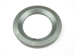 OUTER HUB SEAL TRACK I.R.S.LATE TYPE XJS